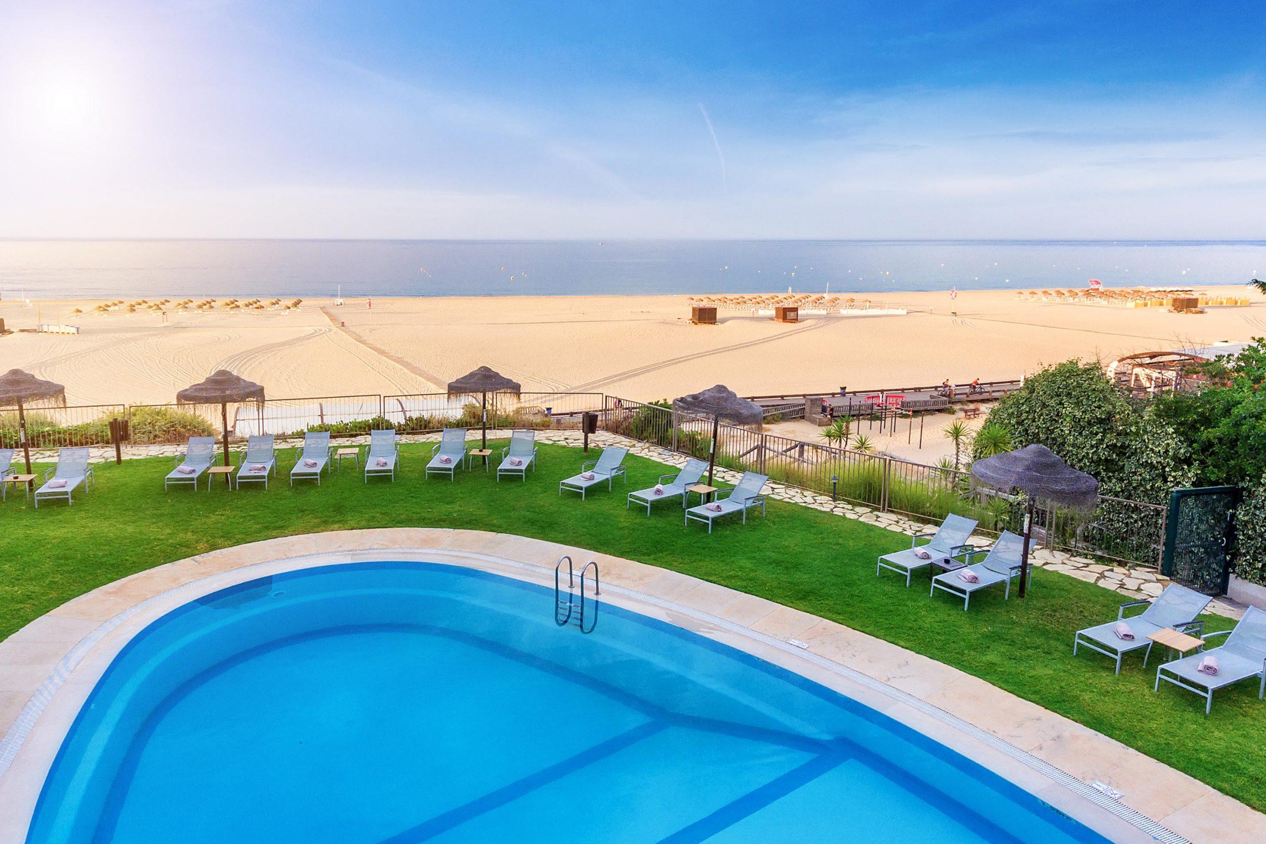 hotel oriental pool