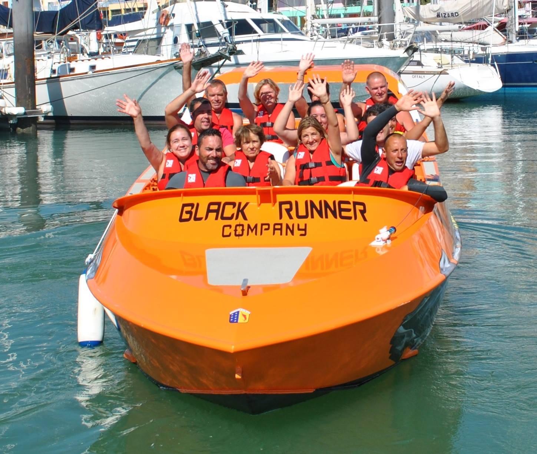 vitoria black runner