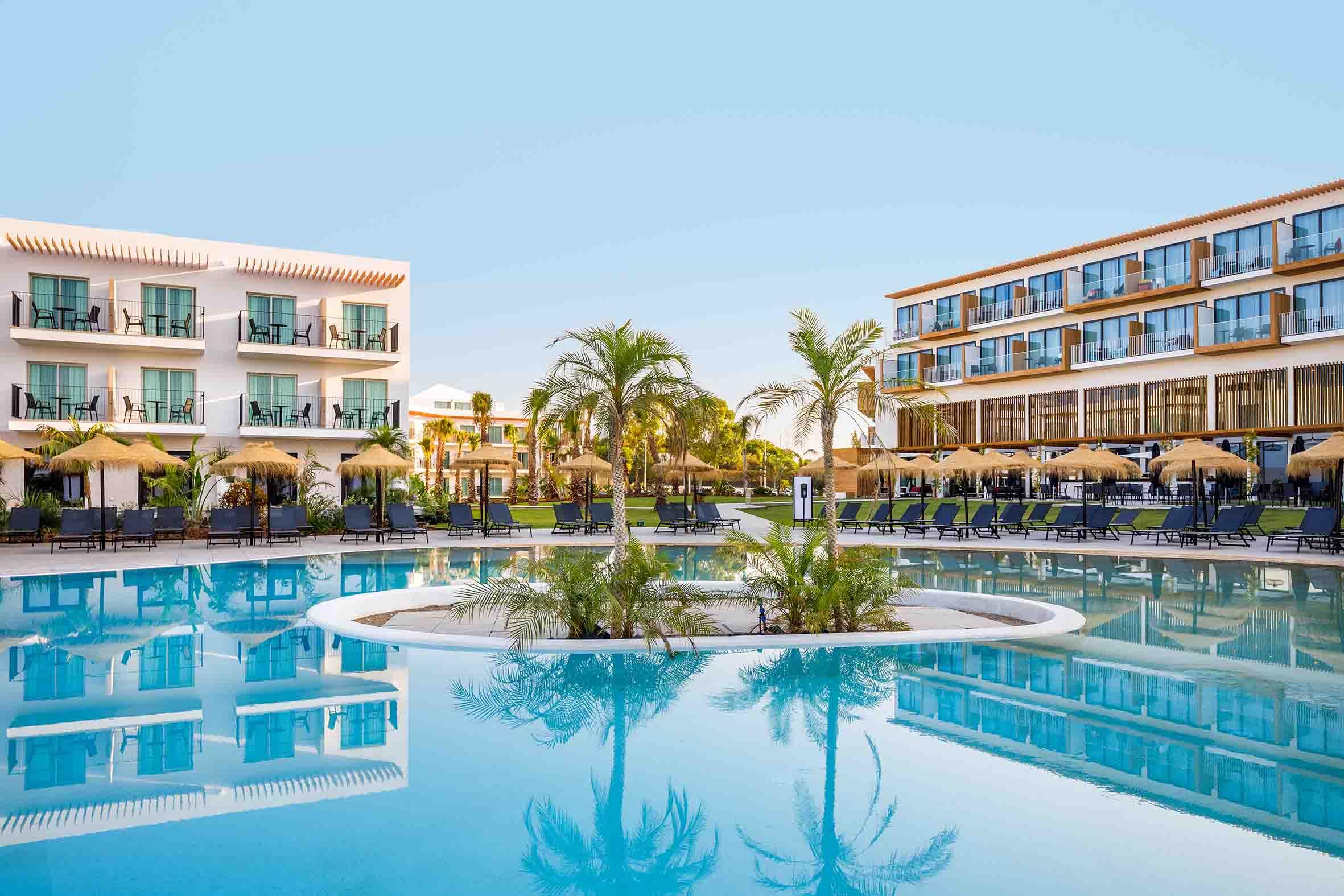 Pool AP Cabanas